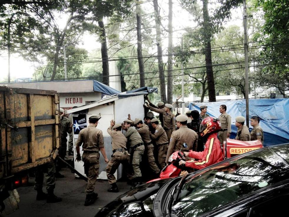Penggusuran PKL di Gerbang Belakang ITB
