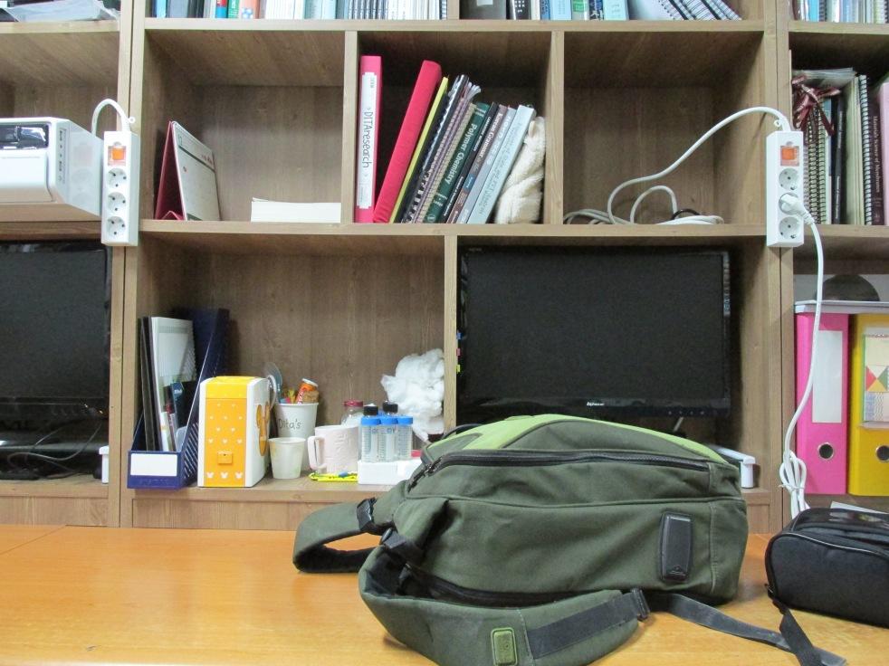 Meja Saya di Lab